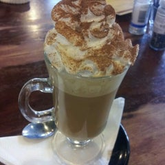 Photo taken at Katoomba St Cafe by Fatin P. on 12/29/2011