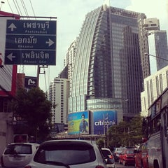 Photo taken at แยกอโศก (Asok Intersection) by Sixth Sikares E. on 5/10/2012