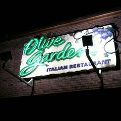 Photo taken at Olive Garden by Jocelyn N. on 2/1/2012