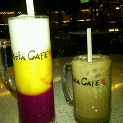 Photo taken at Asia Cafe by Azah A. on 1/21/2012