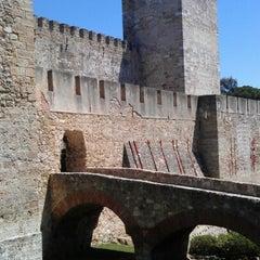 Photo taken at Castelo de São Jorge by Wiebe v. on 7/17/2012