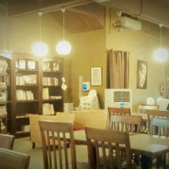 Photo taken at Harmony Life Organic Cafe Sri Petaling by Andy C. on 12/29/2011
