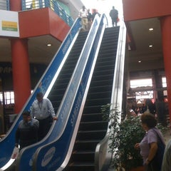 Photo taken at Centro Comercial El Bosque by lorenzo d. on 9/27/2011