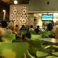 Photo taken at McDonald's Kota Bharu Drive Thru by Hafiz A. on 8/28/2011
