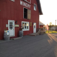 Photo taken at Thousand Islands Winery by Scott H. on 8/18/2012