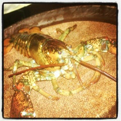 Photo taken at Red Lobster by Maureen M. on 7/6/2012