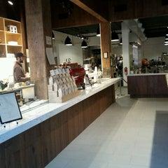 Photo taken at Blue Bottle Coffee by Noah W. on 3/16/2011