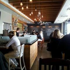 Photo taken at Crow Burger Kitchen by Eduardo E. on 3/31/2012
