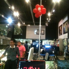 Photo taken at Hitech Import by Moises B. on 5/7/2012