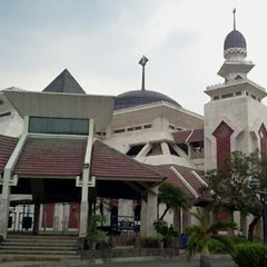 Photo taken at Masjid Agung At-Tin by Bob W. on 11/1/2011