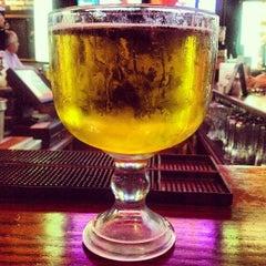 Photo taken at Humperdinks Restaurant & Brew Pub by Jorge M. on 4/23/2012