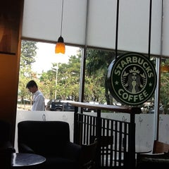 Photo taken at Starbucks by Budhi S. on 6/8/2012