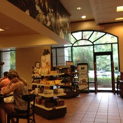 Photo taken at Barnes & Noble by Victor O. on 8/3/2012