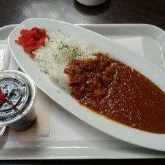 Photo taken at Cafe & Bar Vivo by 大豆 on 3/12/2012