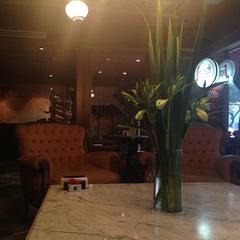 Photo taken at La Parolaccia Dolce & Caffe by Vicky P. on 7/11/2013