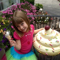 Photo taken at Delish Cakes by Michelle B. on 8/6/2013
