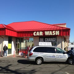 Photo taken at Squeaky Clean of Valley Stream Car Wash by Jose R. on 2/18/2013