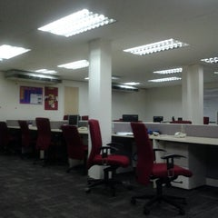 Photo taken at CIMB Bank by Syhmil Azmierul A. on 11/26/2012