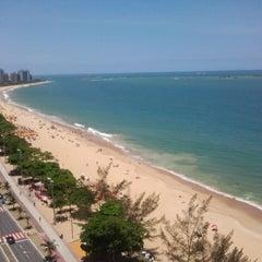 Photo taken at Praia de Itaparica by Fabricio d. on 12/22/2012