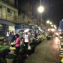Photo taken at ตลาดสดเมืองทุ่งสง by OhmCNX on 4/4/2013