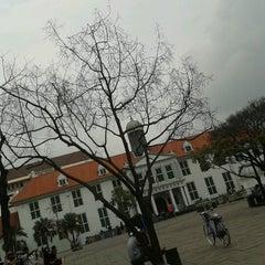 Photo taken at Museum Sejarah Jakarta (Museum Fatahillah) by Ica Q. on 2/11/2013