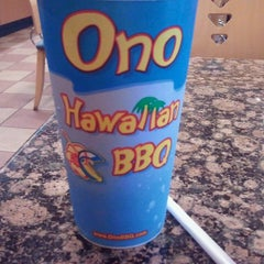 Photo taken at Ono Hawaiian BBQ by Manuel D. on 7/27/2013