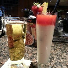 Photo taken at Red Lobster by Leanne G. on 2/14/2013