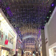 Photo taken at Yorkdale Shopping Centre by Jessica on 11/22/2012