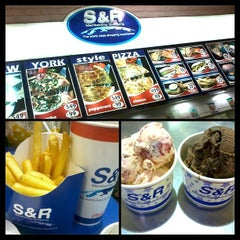 Photo taken at S&R Membership Shopping by Rona D. on 4/24/2013