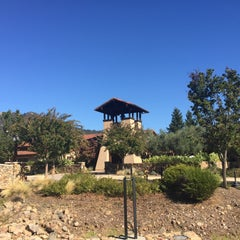 Photo taken at St. Francis Winery & Vineyards by Nina C. on 10/21/2015