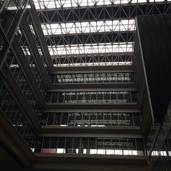Photo taken at 慶應義塾大学 来往舎 by Hiroshi O. on 10/1/2013