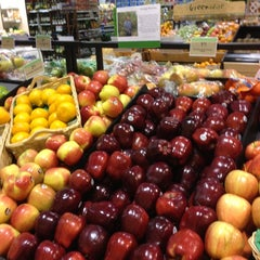 Photo taken at Publix by Chuck L. on 11/3/2012