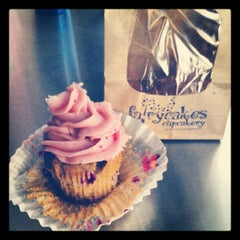 Photo taken at Fairy Cakes Cupcakery by Angela Z. on 10/12/2012