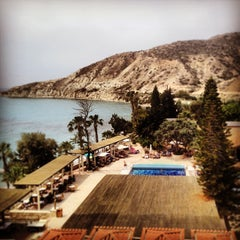 Photo taken at Columbia Beach Hotel by Alexandra N. on 5/10/2013