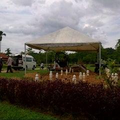 Photo taken at Tanah Perkuburan Islam Presint 20 by Hal J. on 12/14/2012