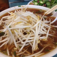 Photo taken at Pho VN One by Darryl R. on 11/4/2014