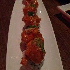 Photo taken at Blowfish Restaurant & Sake Bar by Ladan K. on 8/10/2014