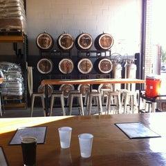 Photo taken at SingleCut Beersmiths by Kazumi T. on 7/18/2013