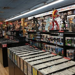 Photo taken at Midtown Comics by Stefan D. on 11/24/2012