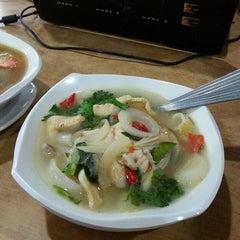 Photo taken at Sri Wangsa Seafood by Azwani A. on 8/17/2014
