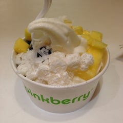 Photo taken at Pinkberry by Yvonne C. on 12/9/2012