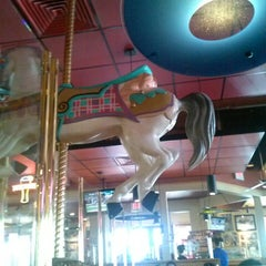 Photo taken at Red Robin Gourmet Burgers by Jay L. on 4/13/2013