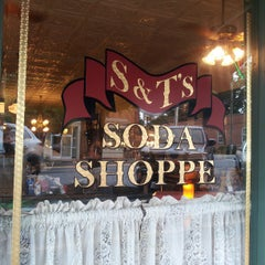 Photo taken at S&T Soda Shoppe by Mark P. on 8/17/2013