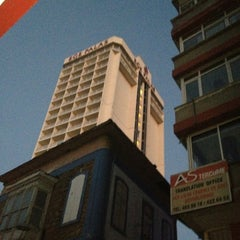 Photo taken at Ege Palas Business Hotel by Salih K. on 12/4/2012