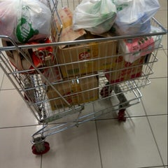 Photo taken at Carrefour by Khomaini M. on 7/23/2014