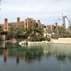 Photo taken at Madinat Jumeirah مدينة جميرا by Ricardo L. on 10/23/2012