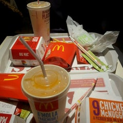 Photo taken at McDonald's by Jérémy J. on 12/29/2012