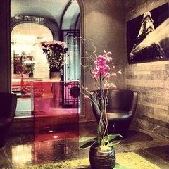 Photo prise au Hôtel Sezz Paris par James T. le10/27/2012