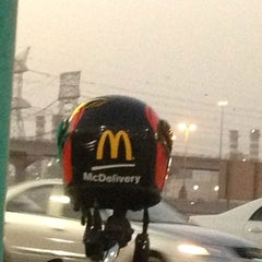 Photo taken at McDonald's - ماكدونالدز by Mohamad S. on 8/30/2013