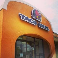 Photo taken at Taco Bell by Wayne C. on 7/10/2013